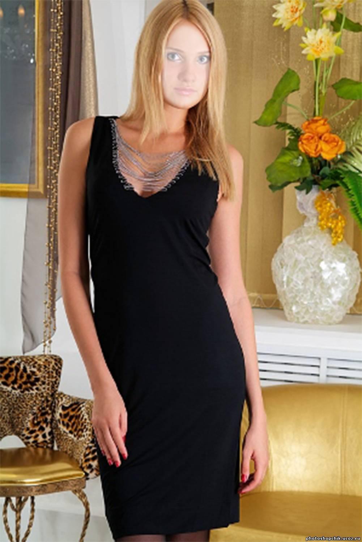 Фото блондинки в черном костюме 22 фотография